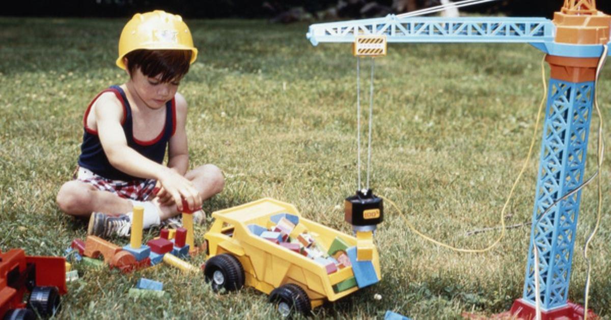 8 hoạt động siêu thú vị khuyến khích trẻ vui chơi ngoài trời nhiều hơn