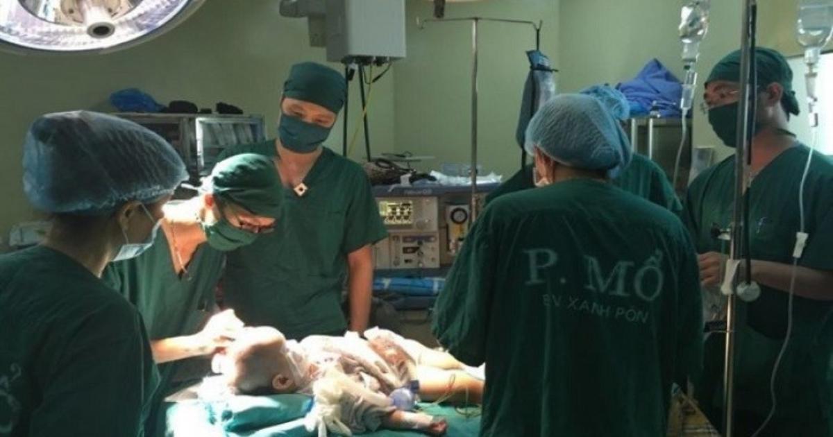 Tổ chức chương trình khám và phẫu thuật dị tật cơ xương khớp trẻ em