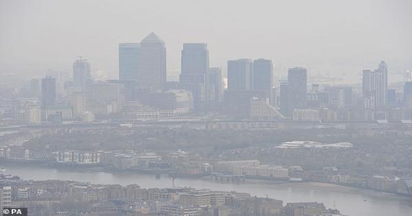 """Ô nhiễm không khí – """"Thủ phạm"""" làm tăng nguy cơ mắc bệnh ung thư vú"""