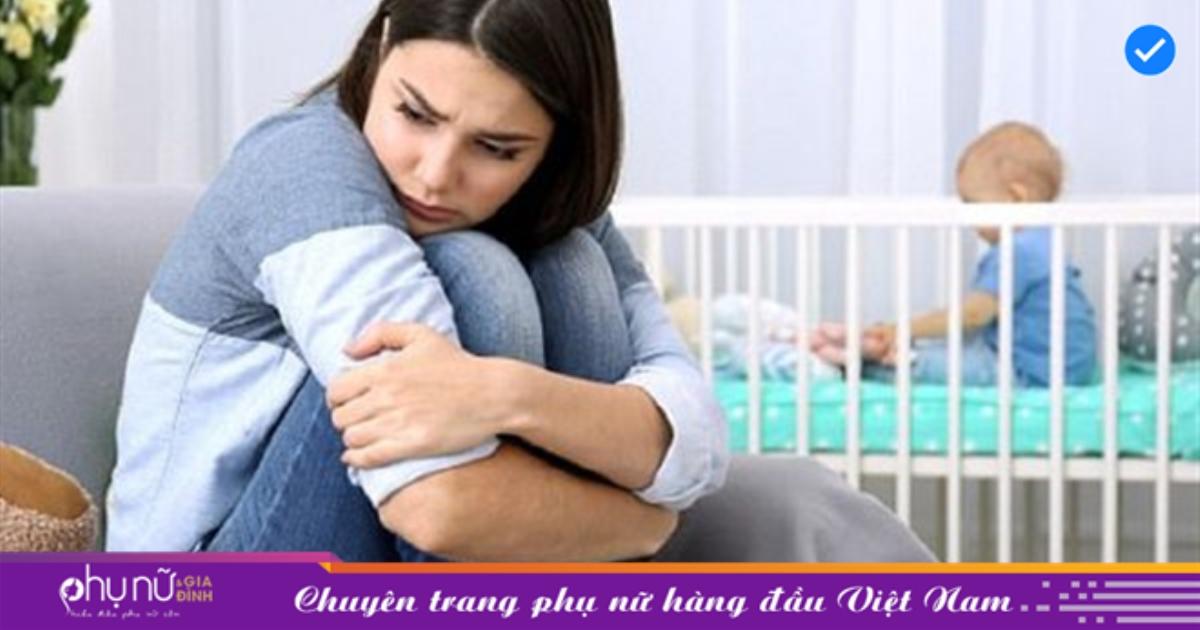 Khi tôi được đẩy vào phòng sinh, chồng nói với theo một câu khiến tôi đau hơn cả đau đẻ