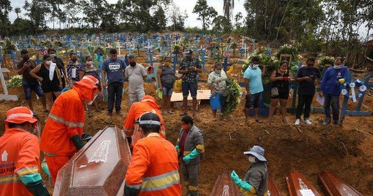 Brazil thành ổ dịch Covid-19 lớn thứ 2 thế giới, tổng thống vẫn thờ ơ