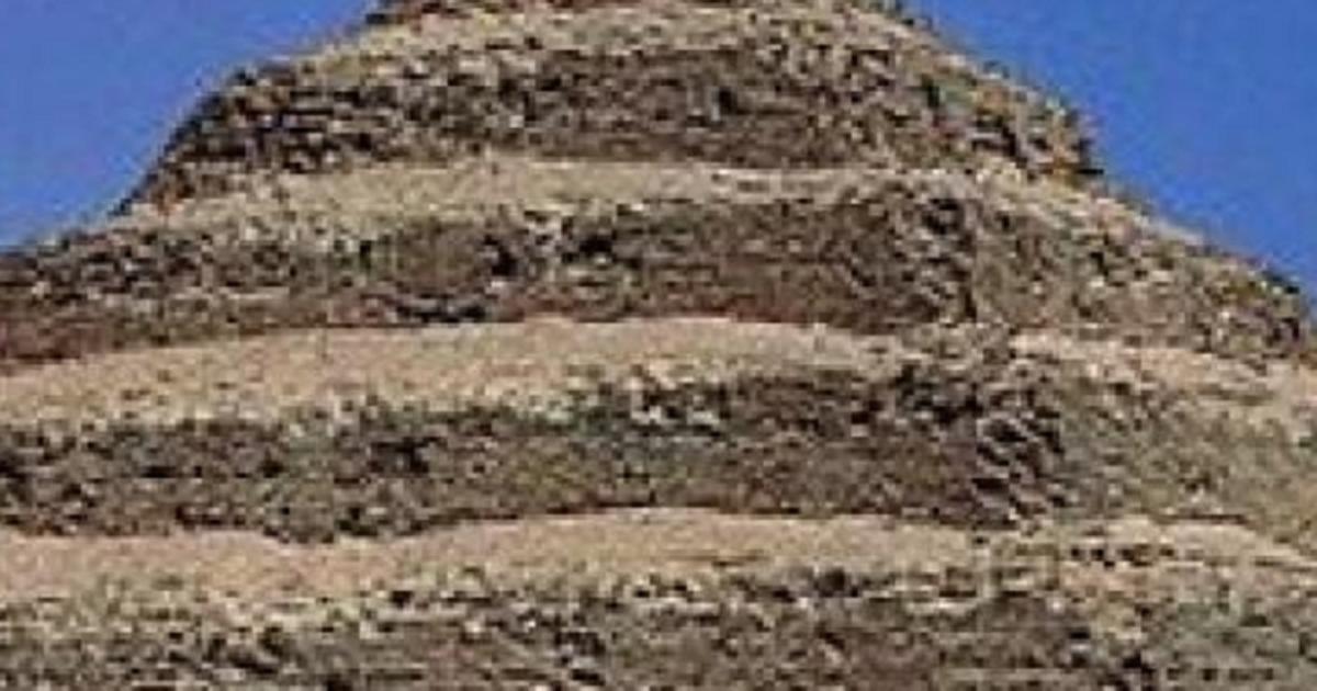 Tìm thấy kim tự tháp cổ nhất thế giới, không ở Ai Cập