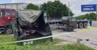 Bình Dương: Thùng xe biển đỏ bị hất văng sau va chạm với xe container, 1 người chết, 6 người bị thương