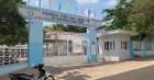 Vụ học sinh lớp 2 rời trường đi bộ 12km: Trường nói nhà tù còn trốn được!