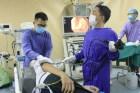 Người đàn ông bị hóc thịt ngan đến viện cấp cứu lại phát hiện ra ung thư thực quản