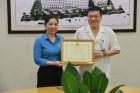 Các lao động giỏi tại BV Hữu Nghị nhận bằng khen của Công đoàn Y tế Việt Nam