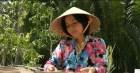 Cô giáo miền Tây Bến Tre làm nhang sinh học từ loài cây dại