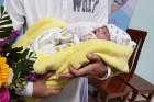 Cứu sống bệnh nhi 8 ngày tuổi nguy kịch chuyển từ Lào sang Việt Nam