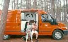 Đôi vợ chồng bỏ 120 triệu đồng mua ô tô cũ về làm thành ngôi nhà di động để đi du lịch khắp muôn nơi