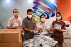 Trao tặng 2.000 khẩu trang cho lực lượng phòng chống dịch