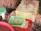 Hà Tĩnh: Phát hiện cơ sở chế biến tôm thối thành tôm nõn