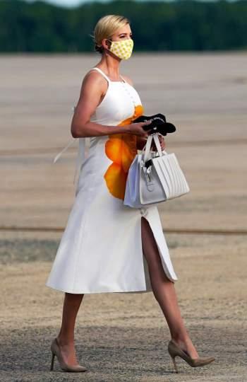 Phong thái và gu thời trang đẳng cấp của Ivanka Trump - 1