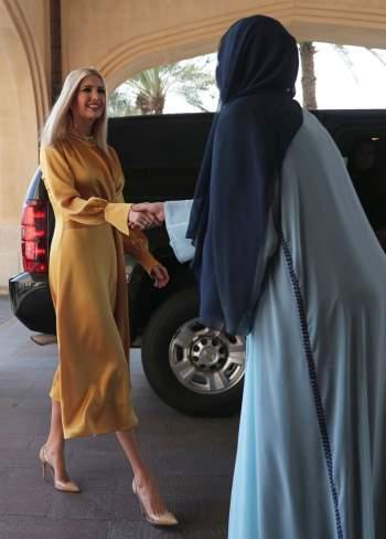 Phong thái và gu thời trang đẳng cấp của Ivanka Trump - 10