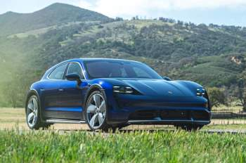 =8. Porsche Taycan Turbo Cross Turismo (vận tốc tốc đa: 249 km/h).