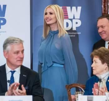 Phong thái và gu thời trang đẳng cấp của Ivanka Trump - 12