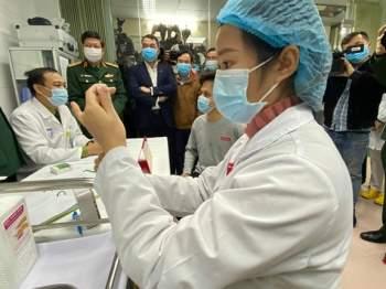 Vắc-xin COVID-19 do Việt Nam tự sản xuất tiêm thử nghiệm lâm sàng trên người vào ngày 17/12/2020.