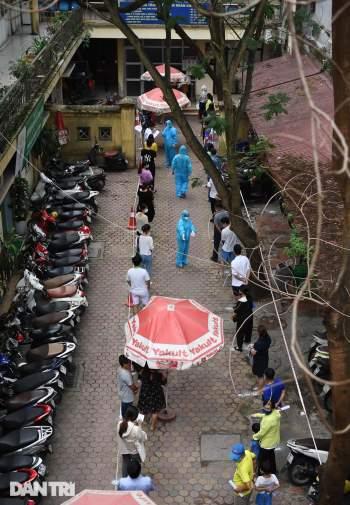 Hà Nội khẩn cấp lấy mẫu xét nghiệm Covid-19 cho 6.000 dân từng đến Đà Nẵng - 3