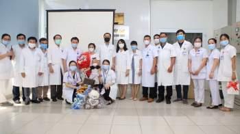 BVTW Huế tổ chức ra viện cho bệnh nhi 03 tuổi bị u nguyên bào thần kinh.