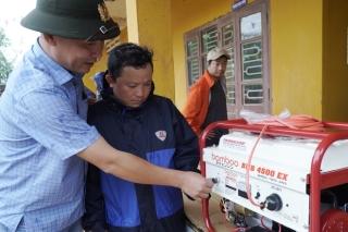 Tiếp tục cứu trợ vùng lũ Quảng Trị, Thừa Thiên-Huế