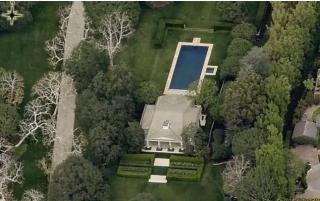 """Hé lộ căn biệt thự 165 triệu USD của tỷ phú Jeff Bezos: Rộng hơn 3 hecta, kín cổng cao tường và có cả """"nhà phụ"""" 10 triệu USD sát cạnh bên - Ảnh 4."""