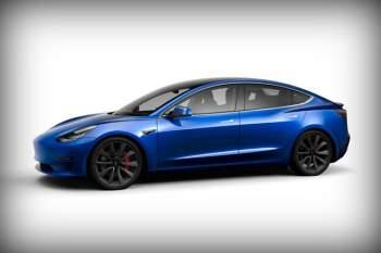 5. Tesla Model 3 Performance (vận tốc tốc đa: 261 km/h).