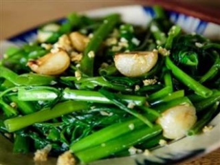 5 sai lầm cực nguy hiểm khi chế biến và ăn rau xanh biến rau thành 'mầm bệnh'