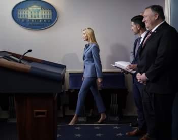 Phong thái và gu thời trang đẳng cấp của Ivanka Trump - 6