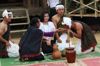 Độc đáo lễ hội bắt chồng ở một số dân tộc ở Tây Nguyên.