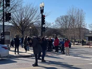 Việt kiều tường thuật bên ngoài Nhà Quốc hội Mỹ: Sau 'Ngày đen tối' chuyện gì đã xảy ra? - ảnh 8