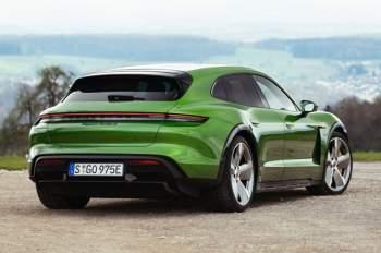 =8. Porsche Taycan Turbo S Cross Turismo (vận tốc tốc đa: 249 km/h).