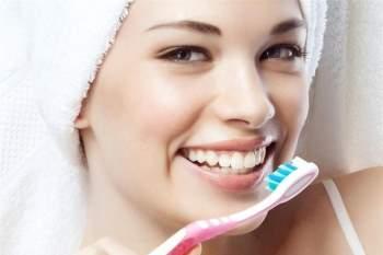Lười đánh răng tăng nguy cơ mắc bệnh ung thư