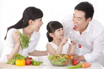 Để sống thọ, cần xây dựng chế độ ăn nhiều trái cây ngay từ khi còn nhỏ.