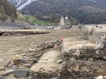 Ngôi làng nổi lên sau 70 năm biến mất - 2