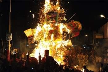 Những lễ hội lạ lùng nhất Trung Quốc 2