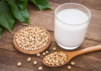 Sữa đậu nành rất tốt nhưng uống sai cách sẽ gây hại