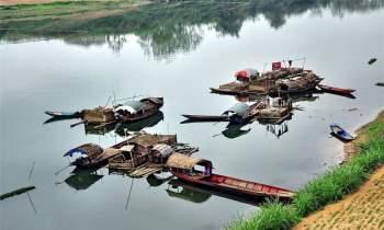 Sông Lường dài 325 km, phần chảy ở Việt Nam là 160 km. Nó chảy qua các huyện Quế Phong (Nghệ An); Thường Xuân, Thọ Xuân (Thanh Hóa). Ảnh: Che Trung Hieu.
