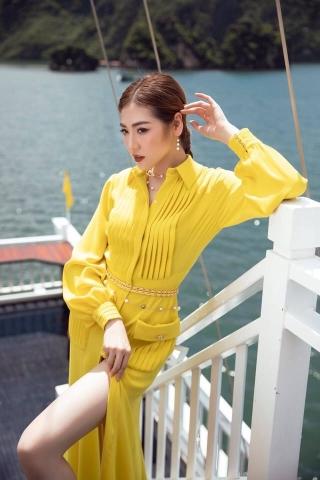 Á Hậu Tú Anh khoe dáng ngọc trong bộ sưu tập mới của NTK Lê Thanh Hòa