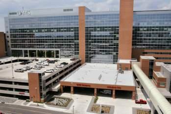 Tin tức đời sống ngày 8/1: Bác sĩ xóa nợ 650.000 USD cho bệnh nhân ung thư - Ảnh 1