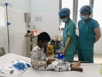 Tin tức đời sống ngày 8/4: Mổ lấy thai kết hợp cắt u nang buồng trứng khủng - Ảnh 2