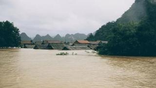 Quảng Bình ngập chìm trong biển nước