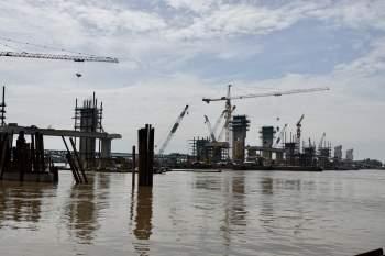 Cận cảnh 'siêu' công trình cống thủy lợi lớn nhất Việt Nam 3.300 tỉ đồng - ảnh 1