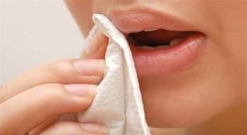 Dùng giấy vệ sinh để lau miệng, nhiều người vô tình tự gây rắc rối cho sức khỏe  - Ảnh 1