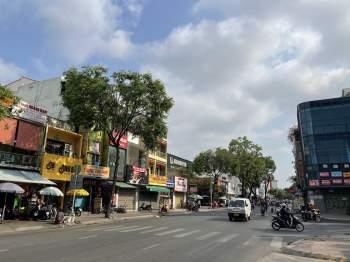 Hết Tết, qua mùng đường vẫn thênh thang: Người Sài Gòn chạy xe mấy ngày này rất khỏe! - ảnh 3