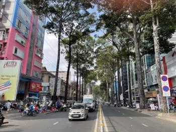 Hết Tết, qua mùng đường vẫn thênh thang: Người Sài Gòn chạy xe mấy ngày này rất khỏe! - ảnh 5