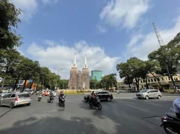 Hết Tết, qua mùng đường vẫn thênh thang: Người Sài Gòn chạy xe mấy ngày này rất khỏe! - ảnh 1