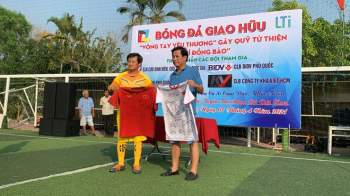Ông Đoàn Ngọc Hải nhận hơn 370 triệu đồng cho quỹ 'Vì đồng bào' tại Phú Quốc - ảnh 2