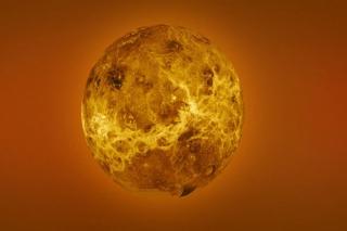 Sao Kim là một thế giới có thể giết chết Người Trái Đất theo nhiều cách khác nhau: Bề mặt của nó nóng nhất Hệ Mặt Trời, lên đến 462 độ C. Áp lực khổng lồ cùng bầu khí quyển đầy khí CO2 độc hại cùng các đám mây H2SO4... tất cả khiến con người không thể tồn tại. Ảnh minh họa: Internet