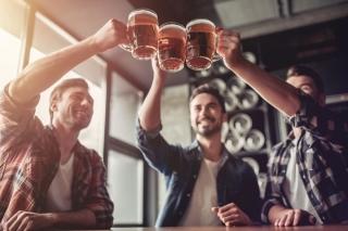 90% người thường xuyên uống rượu bia bị gan nhiễm mỡ