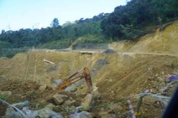 Thanh Niên khởi công xây nhà tặng người dân vùng sạt lở