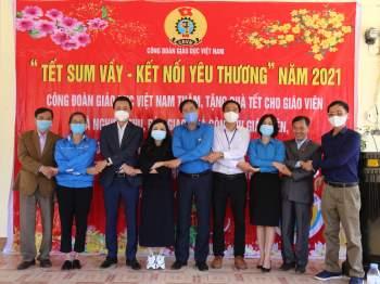 Nghiệm thu bàn giao nhà công vụ giáo viên của Trường Mầm non Hướng Việt huyện Hướng Hoá tỉnh Quảng Trị.